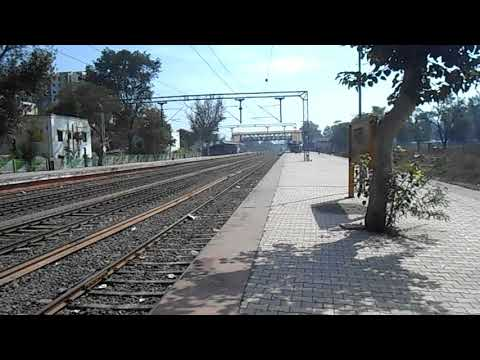 22152 Kazipeth - Pune SF Express Hauled with KZJ WAG7 Skips Hadapsar