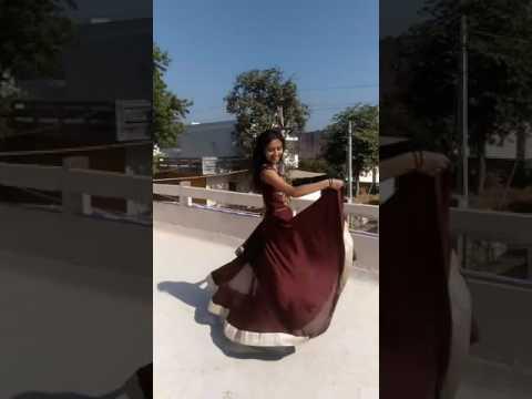 gerua--dilwale- -khushali-chaudhari- -dance- -wedding-gown