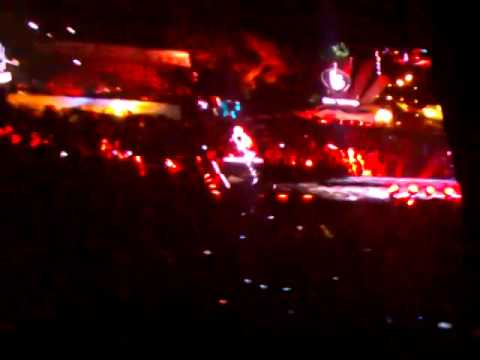 Tropezon, No es caída - Bill Kaulitz