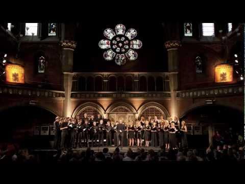 Eric Whitacre - Oculi Omnium (The Eric Whitacre Singers)