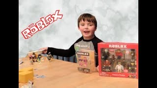 ROBLOX TOY REVIEW CHAMPION OF ROBLOX UNBOXING OPENING
