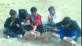 Funny Kids and their funny musical instruments [WhatzApp India]