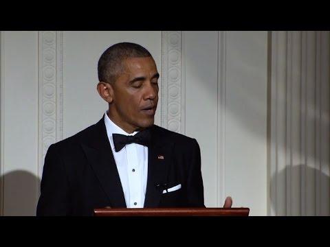Obamas hold state dinner for Singapore