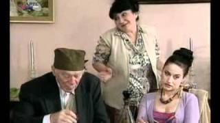 Deda Tripko ne cuje nista