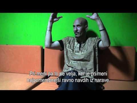 Intervju z Maatom El Hachimijem, gluhim članom glasbene skupine gluhih »Mur du son«