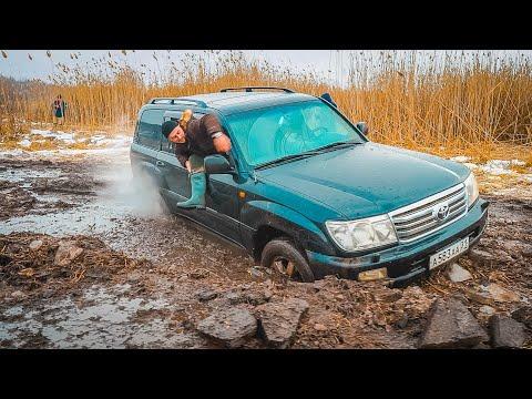 ОБЕЗУМЕВШИЕ водители RANGE ROVER и TOYOTA LC 100 УХОДЯТ ПОД ЛЁД