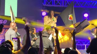 Shatta Wale Runs From Stage-  Leaves Stonebwoy Crown Himself