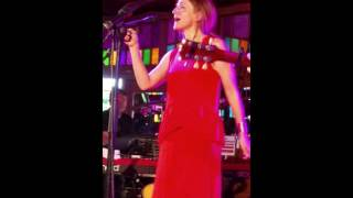 Patty Griffin - Hurt a Little While