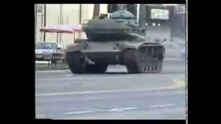GTA 5 in real life: un homme vole un tank et sème le chaos en ville