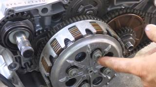 How a motorcycle clutch works