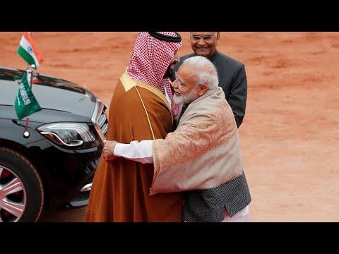 فيديو: رئيس الوزراء الهندي يتجاهل البروتوكول في استقبال محمد بن سلمان …  - نشر قبل 2 ساعة
