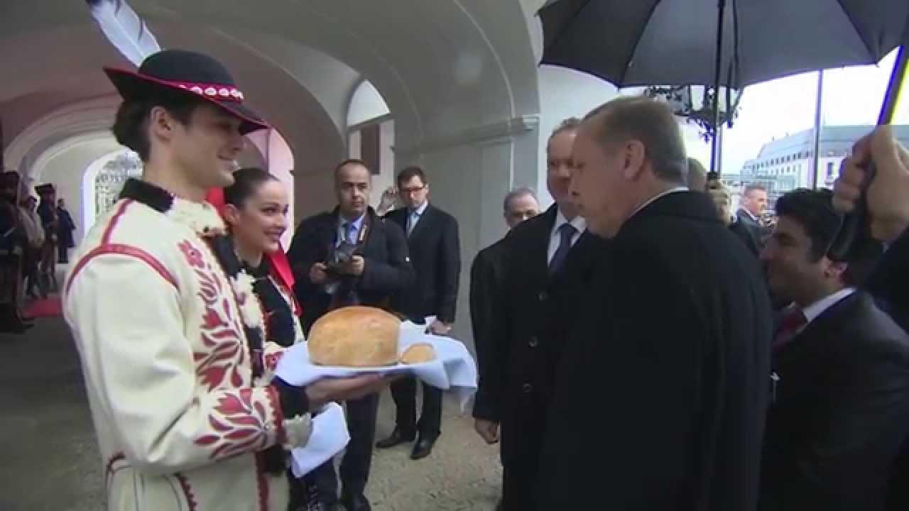 Cumhurbaşkanı Recep Tayyip Erdoğan, resmî bir ziyaret için bulunduğu Slovakya'da