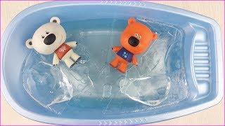 ЛЕДЯНЫЕ Ми-ми-мишки! Кеша и Тучка в ПРОРУБИ! Мультики с игрушками для детей