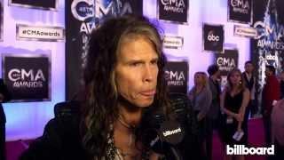 Steven Tyler / Aerosmith on the CMA Awards Red Carpet 2014 Resimi
