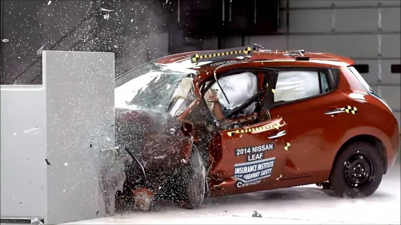 Краш-тест Hyundai Solaris(Accent); Nissan Juke; Nissan Leaf; Audi A4; Chrysler Town&Country