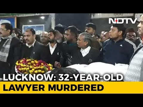 Lucknow Lawyer Murdered, Protesting Colleagues Take Body To