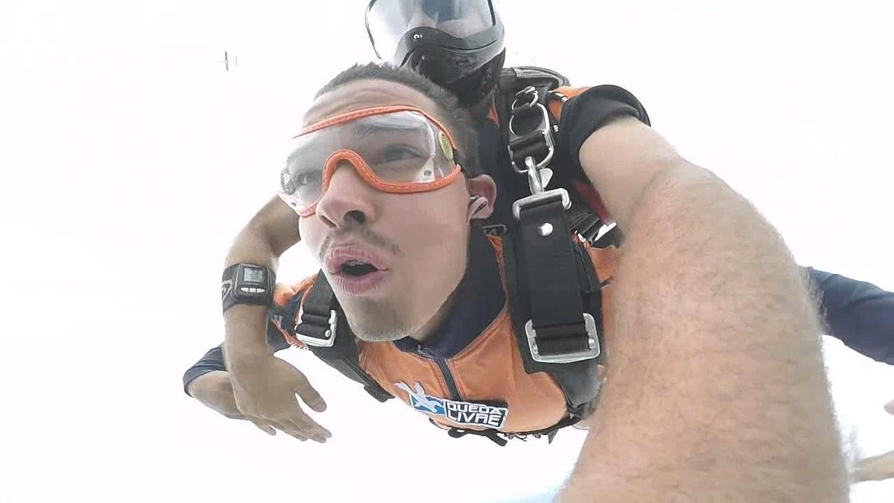 Salto de Paraquedas do Alexandro na Queda Livre Paraquedismo 12 01 2017