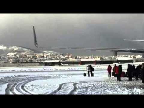 Uçağa Yıldırım çarptı, Yolcular Mahsur Kaldı