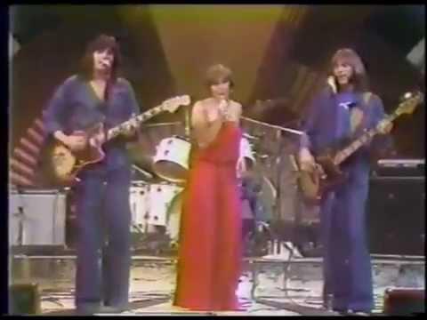 HELEN REDDY AND HAMILTON, JOE FRANK & REYNOLDS - FALLIN IN LOVE - MIDNIGHT SPECIAL 1976