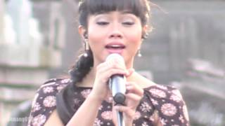 Video Yura - Berawal Dari Tatap ~ Cinta Dan Rahasia @ Prambanan Jazz 2016 [HD] download MP3, 3GP, MP4, WEBM, AVI, FLV Oktober 2017