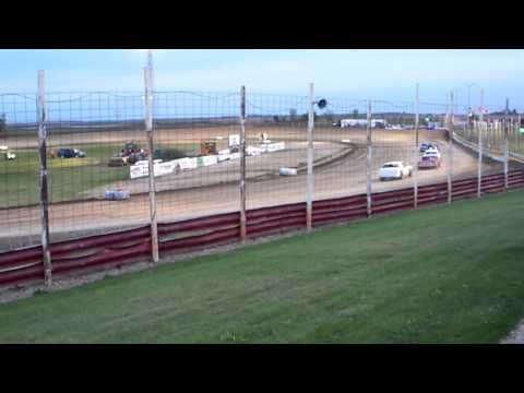100 0763 Devils Lake Speedway 2015-10-03 Pure Stick Feature part 2