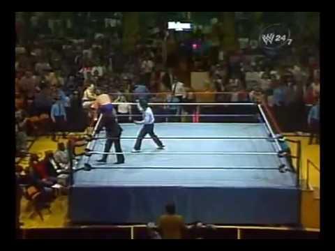 wwf boston garden 12/7/1985 Bruno Sammartino vs Roddy Roddy Piper