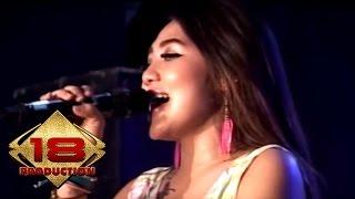 Video Via Vallen - Kesempurnaan Cinta (Live Konser Purwodadi Grobogan 19 Maret 2016) download MP3, 3GP, MP4, WEBM, AVI, FLV Agustus 2017