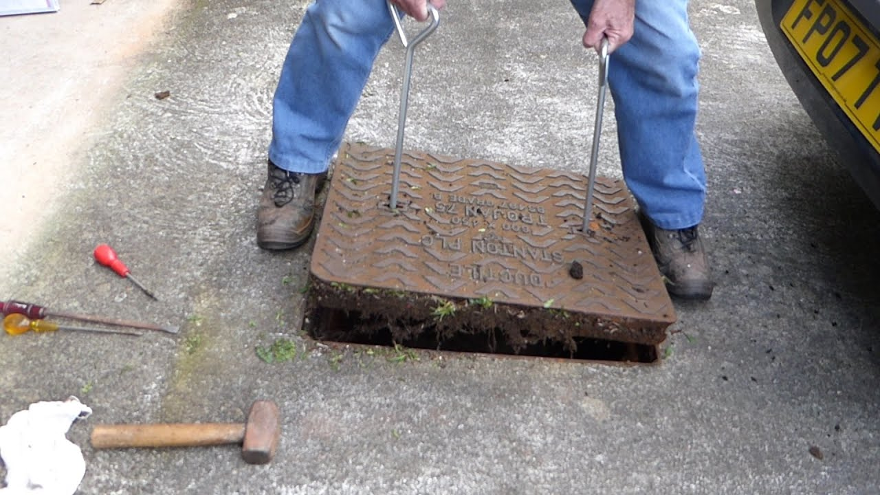 How To Lift Drain Covers Man Hole Covers To Clear