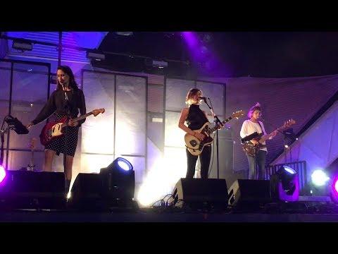 Warpaint - Dre (Live HD) Santa Monica Pier 8-17-17