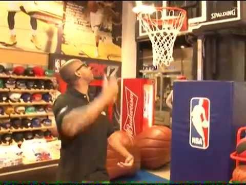 9abe8d690 NBA inaugura no Rio de Janeiro a 1ª loja na América Latina - YouTube