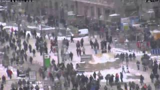 Вебкамера на Майдане  ВИДЕОПРОБКИ пробки в Киеве, видео, заторы, вэб камеры, ДТП3333(, 2013-12-12T19:46:15.000Z)