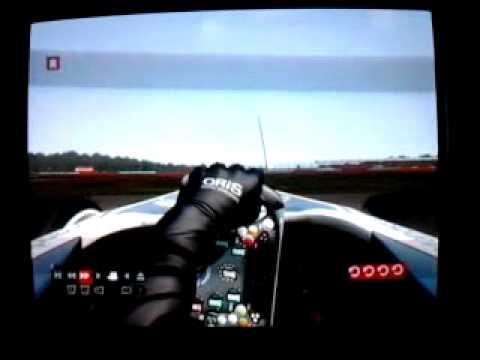 F1 2011 compilation dépassements , crash