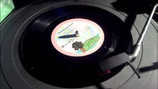 Bob Marley - I Shot the Sheriff / Trenchtown Rock  (HQ Vinyl Rip - Island Label- Single Vinilo)