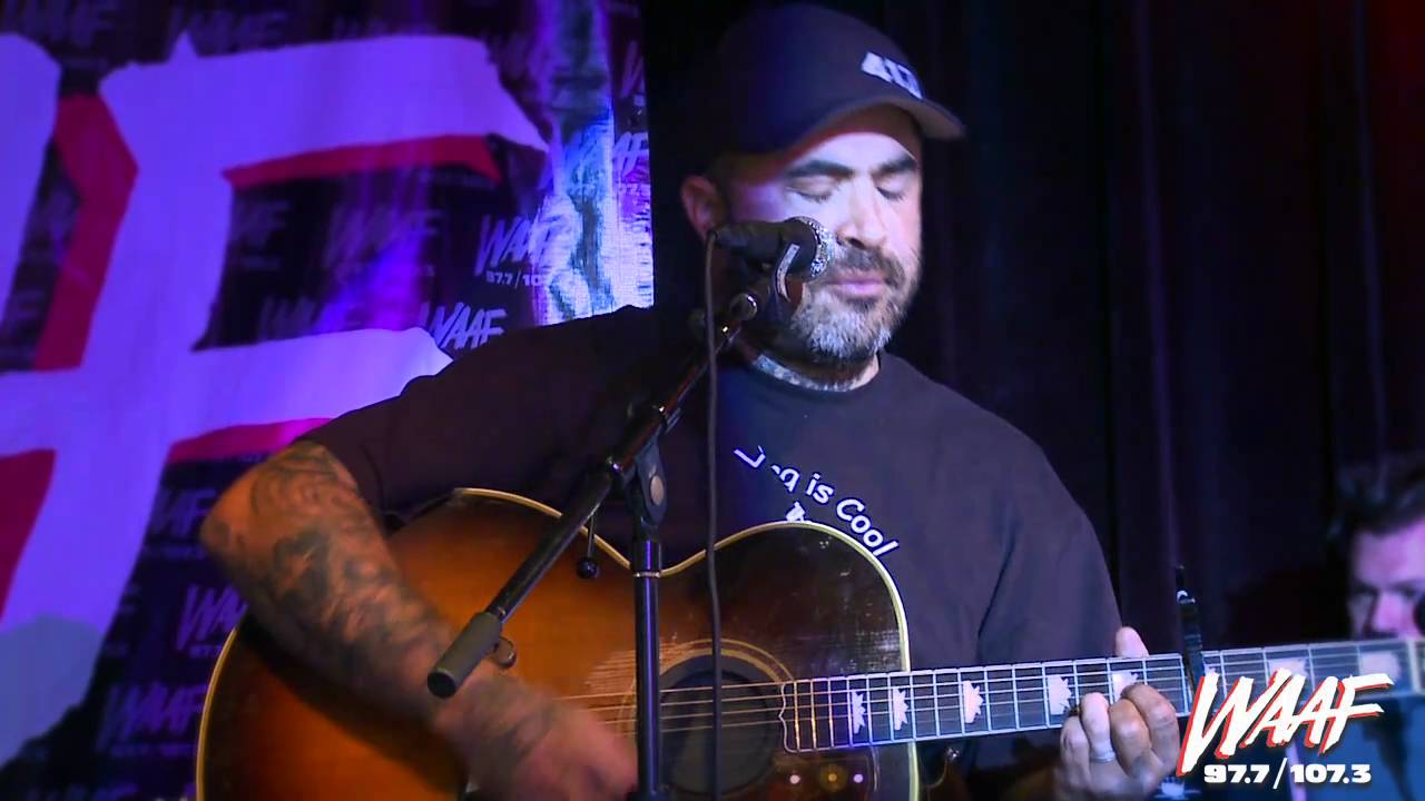 aaron lewis performs vicious circles acoustic youtube. Black Bedroom Furniture Sets. Home Design Ideas