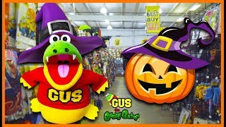 Halloween Shopping for Kids! Pretend Play Spooky Obby with Gus the Gummy Gator!