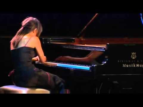 Yuja Wang plays Ligeti : Études pour piano   Livre 2 -