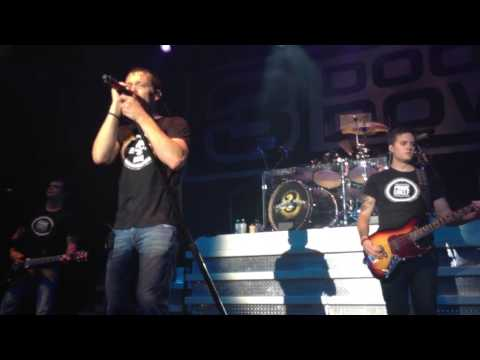 3 Doors Down- Goodbyes (Live in Zürich 2013)