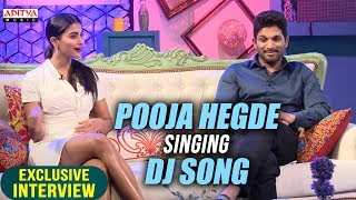 Video Pooja Hegde Singing Dj Song | Allu Arjun & Pooja Hegde Exclusive Interview About DJ download MP3, 3GP, MP4, WEBM, AVI, FLV Juni 2017