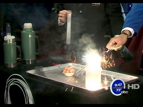 Melt steel with liquid oxygen