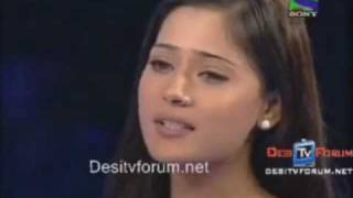 Sara Khan Singing aur ahista