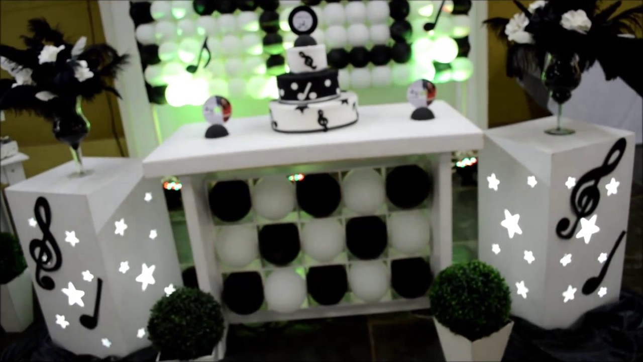 Decoraç u00e3o aniversário Preto e Branco anos 60 Martins Eventos YouTube -> Decoração De Zebra Para Aniversario