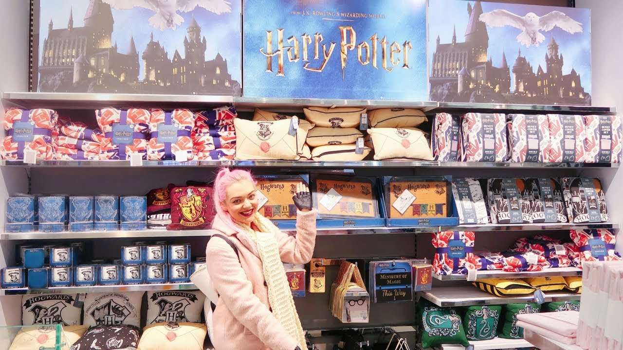 Shop With Me | Primark Harry Potter Christmas Gift Hunting! - YouTube