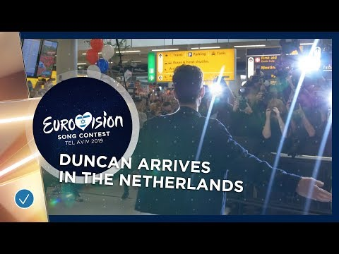 Eurovision winner Duncan Laurence gets a warm welcome in The Netherlands!
