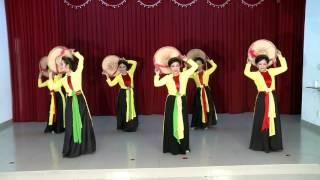 Múa: Những cô gái trên quê hương Quan Họ