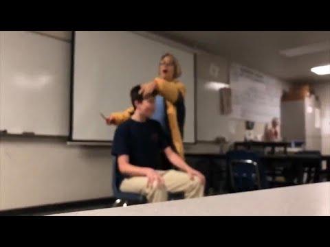 Pat Walsh   7pm - 10pm - מורה בארהב סיפרה תלמיד תוך כדי שירת ההמנון