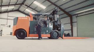 Toyota's High Capacity Adjustable Wheelbase Forklift