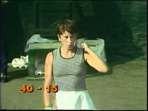 Chris Evert d. Wendy Turnbull - 1977 US Open final (Maureen ...