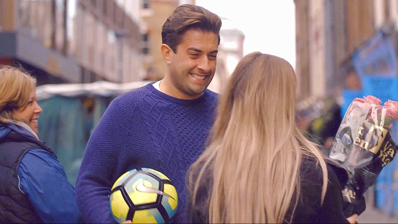 Freestyle Football Skills with James Argent! - YouTube