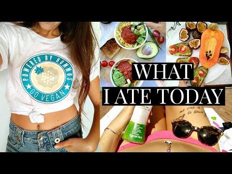 WHAT I EAT VLOGMAS: Pasta Party & Thai Restaurant EPIC Fail #14