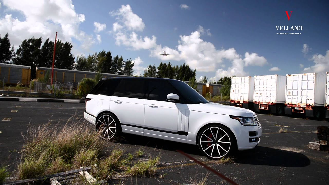 WHITE RANGE ROVER ON VELLANO WHEELS VM27 MONOBLOCK